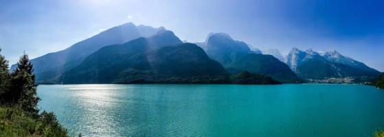 Auf dem Weg zum Gardasee liegt der Molvenosee