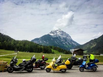 Im Namlostal in Tirol mit leisen Scootern unterwegs. Und dann weiter zum Hahntennjoch